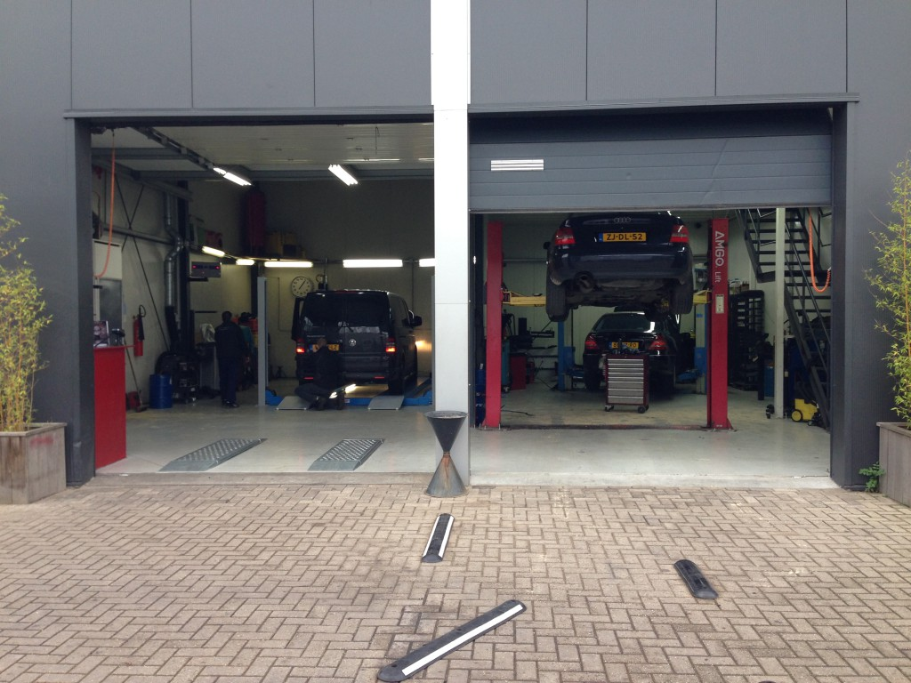 Autogarage uithoorn rocar tech garage equipment b v for Equipement complet garage auto